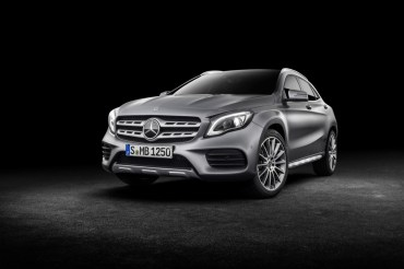 Mercedes-Benz GLA 2017 - 33
